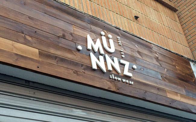 Cartel 4m fachada de MUNZ.