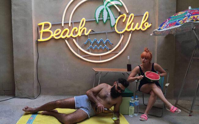 Cartel Cartel Beach Club para Arenal Sound
