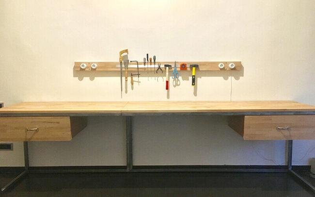 Mesa de escritorio en madera