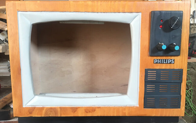 TV madera PHILIPS hecha a mano